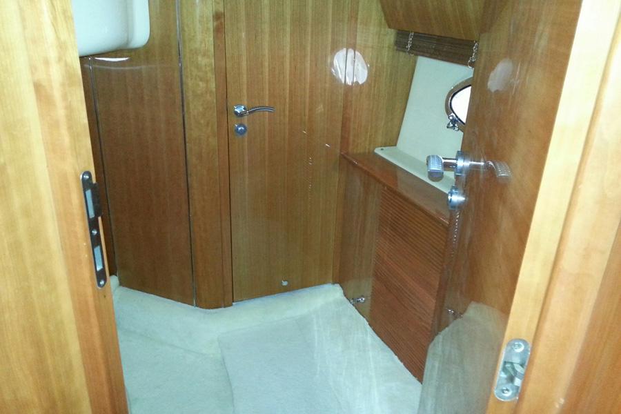Atlantis-42-HT-eingang-kabine2