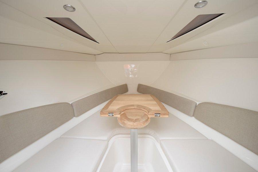 Bayliner-724-kabine