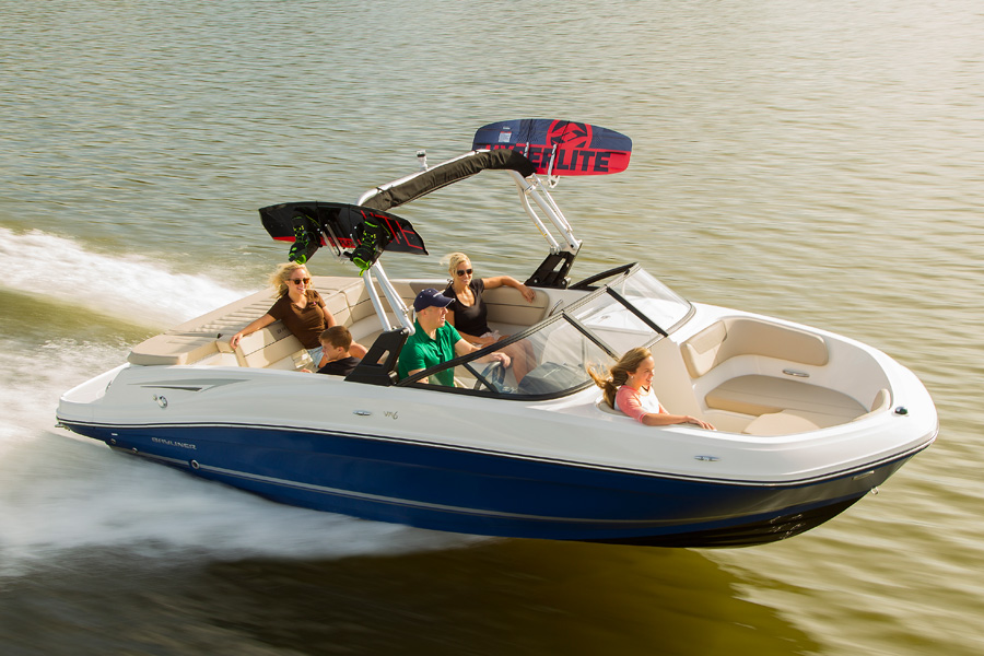 Bayliner-VR-6-running
