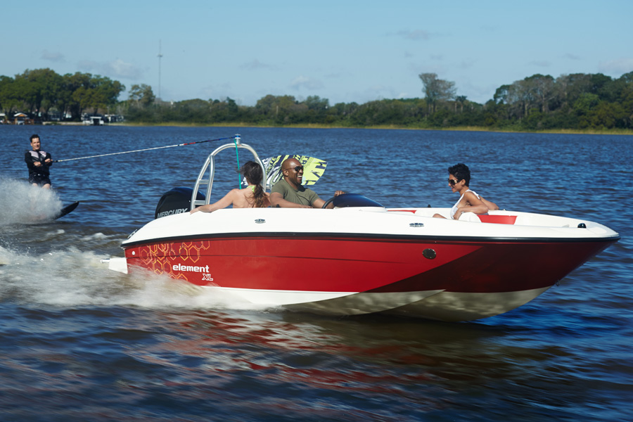 Bayliner-element-XL-running