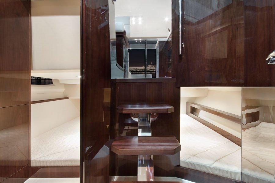 Galeon-390-HTC-kabinen-hochglanz