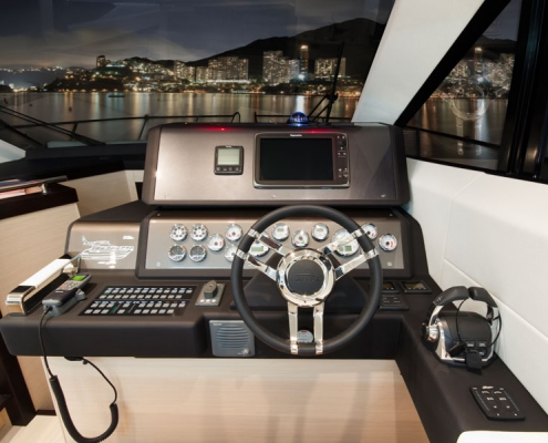 Galeon-420-Fly-steuerstand