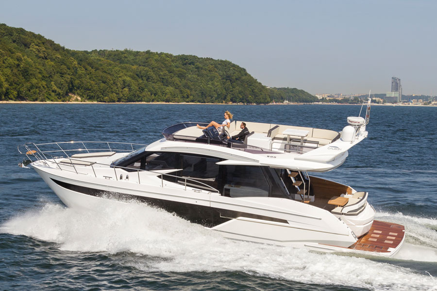 Galeon-500-Fly-running-2