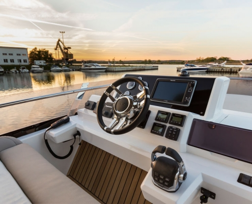 Galeon-550-Fly-steuerstand-fly