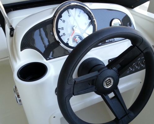 bayliner-e5-cockpit-steuerstand